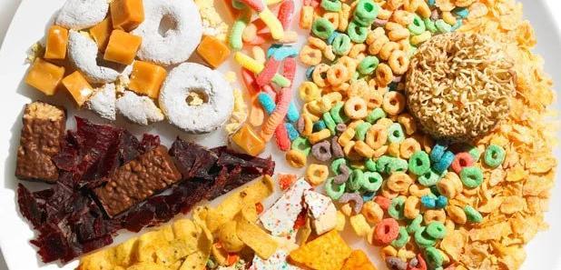 練半天還是「小腹激凸」?想擁有平坦小腹,盡量遠離這5種食物!